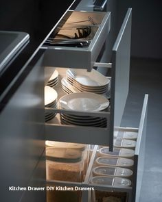 New Kitchen Drawers Ideas Tidy Kitchen, Kitchen Room Design, Diy Kitchen Decor, Kitchen Tops, Interior Design Kitchen, Kitchen Furniture, Ikea Kitchen Lighting, Cheap Kitchen, Voxtorp Ikea