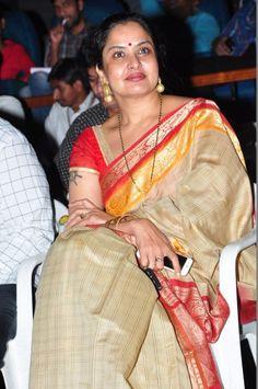 Orange Saree, Yellow Saree, White Saree, Indian Tv Actress, Indian Actresses, Saree Photoshoot, Cute Beauty, Half Saree