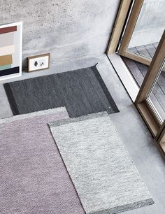 A beautiful floor carpet made of high quality and unique details serves as a grip of interior designer to bring a room together and create cohesion between its furniture; whether you place it on the floor in the bedroom, in the hallway, living room or kitchen. Ply rug is created by the internationally renowned Danish designer Margrethe Odgaard for Muuto. Ply rug comes in different subtle color combinations and gives you a beautiful base for your interior.