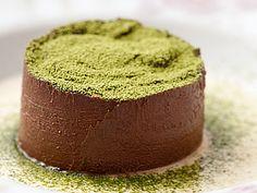 Torta de chocolate com creme anglaise