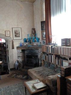 Vita Sackville West's studio at Sissinghurst Castle Interior Exterior, Interior Design, Vita Sackville West, Bloomsbury Group, Masculine Interior, Room Of One's Own, Cozy Corner, Cool Apartments, Villa