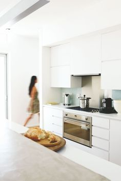 A minimalist approach was taken in this open-plan kitchen, as in the rest of the Lion's Head home.