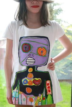 Hand-painted T-shirt Paint Shirts, T Shirt Painting, Shirt Ideas, Printing On Fabric, Fabrics, Hand Painted, Embroidery, Prints, Women