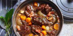 Bœuf bourguignon traditionnel : découvrez les recettes de cuisine de Femme Actuelle Le MAG