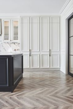 White and bright elegant kitchen interior design with wood herringbone pattern floors and white beveled cabinets — Blakes London Architecture Renovation, Home Renovation, Home Remodeling, Kitchen Remodeling, Küchen Design, Layout Design, Design Ideas, Door Design, Home Luxury