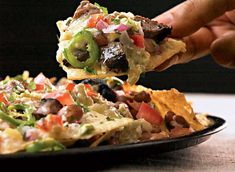 Looking to satisfy your tortilla chip craving? Our homemade steak nachos recipe still features plenty of cheese, salsa, and flavor for half the calories. Healthy Mexican Recipes, Best Healthy Dinner Recipes, Healthy Casserole Recipes, Healthy Foods, Easy Recipes, Nacho Recipes, Healthy Steak, Popcorn Recipes, Vegetarian Recipes