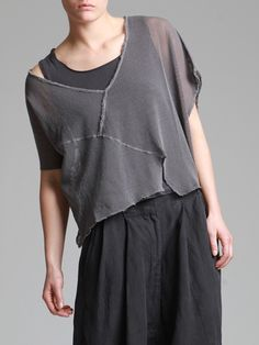 ASYMETRIC AGED COTTON T-SHIRT WITH MESH FABRIC--seams on the outside