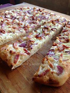 Hungarian Recipes, Ravioli, Hawaiian Pizza, Banana Bread, Bakery, Food And Drink, Snacks, Meat, Fimo