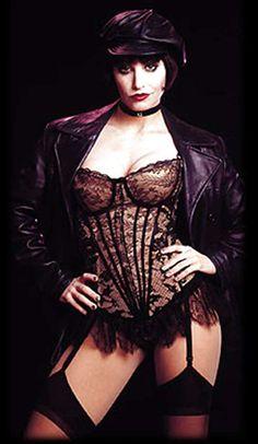 Gina Gershon in cabaret. She is totally my girl crush