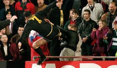 Eric Cantona on Matthew Simmons: Crystal Palace vs. Manchester United, 25 Jan 1995