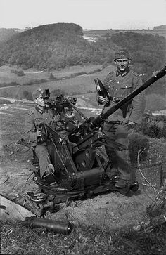 German 20mm light aircraft gun (FlaK 30 L65).