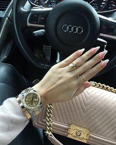 LUXUS LEBENSSTIL Entdecken Sie die extravagantesten a Luxury lifestyle Discover the most luxurious lifestyle- Luxury Lifestyle Fashion, Rich Lifestyle, Luxury Fashion, Women's Fashion, Fashion Jewelry, Luxe Life, Cute Cars, Luxury Cars, Rolex Watches