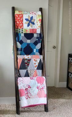 $15 DIY Quilt Ladder - we need this with all the blankets we have ... : quilt display ladder - Adamdwight.com