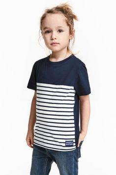 T-shirt z nadrukiem - Ciemnoniebieski/Białe paski - Dziecko   H&M PL 1