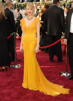 30 of Michelle Williams' best red-carpet looks - HarpersBAZAARUK