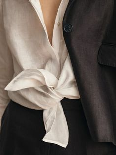 Linen Bloom - NEW - Massimo Dutti - the Netherlands - Camisa Beige, Mode Simple, White Shirts, Linen Shirts, Laura Ashley, Trends 2018, Models, Karl Lagerfeld, Minimalist Fashion