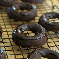 Chocolate Brownie Donuts – #LowCarb and #GlutenFree