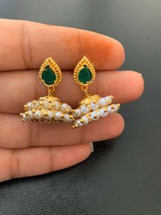Earrings green stone and pearl zumkha earrings very pretty Gold Earrings Designs, Gold Jewellery Design, Necklace Designs, Gold Jewelry, Gold Necklace, Baby Earrings, Pearl Earrings, Labret Jewelry, Fashion Accessories