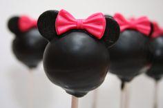 Juffrouw Taart: Minnie Mouse taart en Minnie mouse cakepops