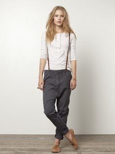 20 ideas for wearing pants with suspenders - fashion tips- 20 ideas for wearing pants with suspenders # ideas Estilo Boyish, Estilo Tomboy, Tomboy Chic, Tomboy Style, Boyish Style, Androgynous Fashion, Tomboy Fashion, Look Fashion, Fashion Outfits
