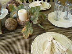 love the greens with the whites.   http://picketsplace.blogspot.com