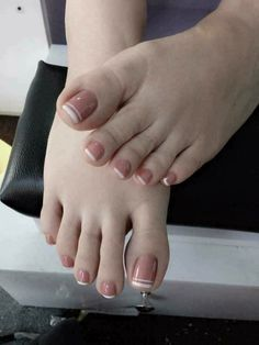 Manos y pies Pretty Toe Nails, Cute Toe Nails, Cute Nail Art Designs, Toe Nail Designs, Stylish Nails, Trendy Nails, Feet Nail Design, Asian Nails, Cute Nails For Fall