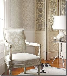 Thibaut...So classically beautiful! Love the screen too.