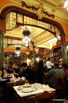 Inside the Majestic coffee shop. Interior do Café Majestic. Hotel Porto, Porto City, European Tour, European Travel, Cities, Uk Destinations, Cheap Places To Travel, Douro, Voyage Europe