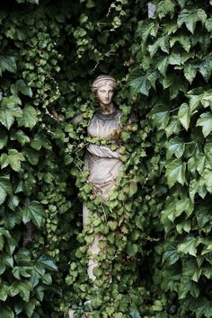 Statues Decor Sculpture - Marble Statues Female - Statues Drawing - Stone Statues Minecraft - Dragon Statues For Sale - Slytherin Aesthetic, Nature Aesthetic, Aesthetic Statue, Aesthetic Green, Plant Aesthetic, Secret Gardens, The Secret Garden, Garden Art, Garden Ideas