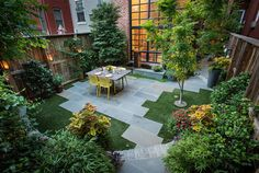 Small Backyard Hardscaping With Pavers And Furniture : Hardscaping Your Backyard