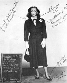 """Prueba de vestuario de Bette Davis como Margo Channing en """"Eva al desnudo"""" (1950). Diseño de vestuario: Edith Head"""