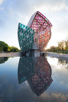 Fondation Louis Vuitton - Observatory of Light - Daniel Buren