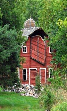 It's funny, I also pin beautiful doors and almost every door I find has the location of the photo. Some photos even have the exact address where the door is located but most of the beautiful barn pictures I have found have no information. I wish some of them could tell their story.