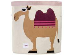 Mit diesem originellen Aufbewahrungskorb von 3 Sprouts mit Kamel-Motiv macht es Ihren Kinder Spaß, die Spielsachen in Ordnung zu halten. Der Stoffkorb bietet optimal Platz für Spielzeug, Bücher oder auch Wäsche.