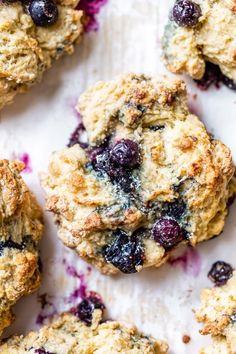 Lightened Up Blueberry Scones Recipe - Skinnytaste Ww Recipes, Brunch Recipes, Breakfast Recipes, Cooking Recipes, Dessert Recipes, Skinnytaste Recipes, Skinny Recipes, Healthy Recipes, Breakfast Bars