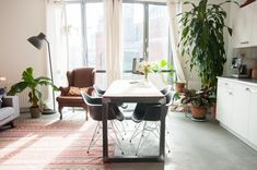 House Tour: A 538 Square Foot Minimal Dutch Apartment | Apartment Therapy