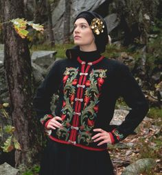 Jacket based on traditional fokl dresses. Pretty Clothes, Pretty Outfits, Crochet Tops, Embroidery Art, Folklore, Norway, Knitwear, Knitting Patterns, Feminine