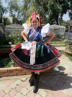 rimóci népviselet Folk Clothing, Historical Clothing, Folklore, Young Frankenstein, Stage Set Design, Folk Dance, Folk Costume, Fashion History, Traditional Dresses