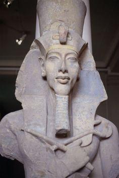 Egyptian Museum - Statue of Akhenaten ( dedicado a Akenaton de Nefertiti)