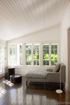 Minimalist Home Decor - Lisa Jackson Southampton House - Veranda