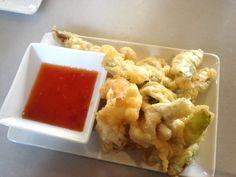 tempura de langostinos y verduras