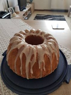 Κέικ λεμονιού με Φιλαδέλφεια Cup Cakes, Tiramisu, Muffins, Pie, Pudding, Ethnic Recipes, Desserts, Food, Torte