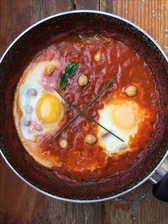 No fried eggs in tomatoes sauce...