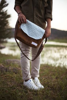 bolso loneta tela estampada bolsillos interior exterior cremallera pipolart pipol art para ella detalle