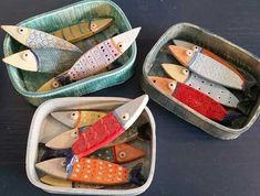 Ceramics Projects, Clay Projects, Diy Arts And Crafts, Clay Crafts, Ceramic Clay, Ceramic Pottery, Sculptures Céramiques, Ceramic Sculptures, Wooden Fish