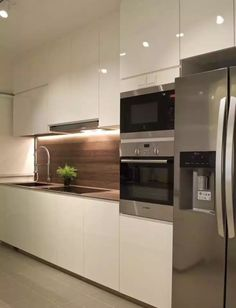 Kompactplus kitchen plus oven + fridge layout.
