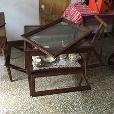 Table a Thé est en vente sur notre Brocante en ligne par AUPASSETEMPS Plus de photos et contact à cette adresse : http://www.lesbrocanteurs.fr/annonce-antiquaire/table-a-the/