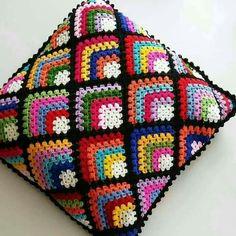 Crochet Bedspread Pattern, Crochet Motifs, Granny Square Crochet Pattern, Crochet Squares, Crochet Blanket Patterns, Knitting Patterns, Loom Knitting Blanket, Crochet Home, Crochet Crafts