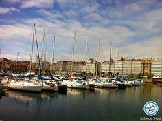 Puertos de Galicia !!!  Con esos edificios al fondo es fácil de adivinar cuál es ese puerto a qué sí?  Buenas noches :)  #Galicia #puertos #Coruña