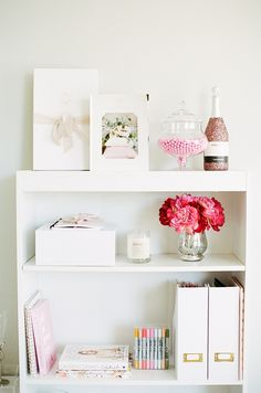 Shelf goals! Photography: Evonne and Darren - http://evonneanddarren.com/